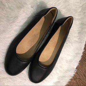 Naturalizer Black Flats